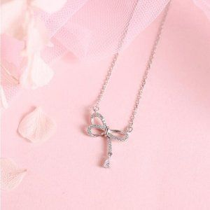 *NEW 925 Sterling Silver Diamond Bow Necklace